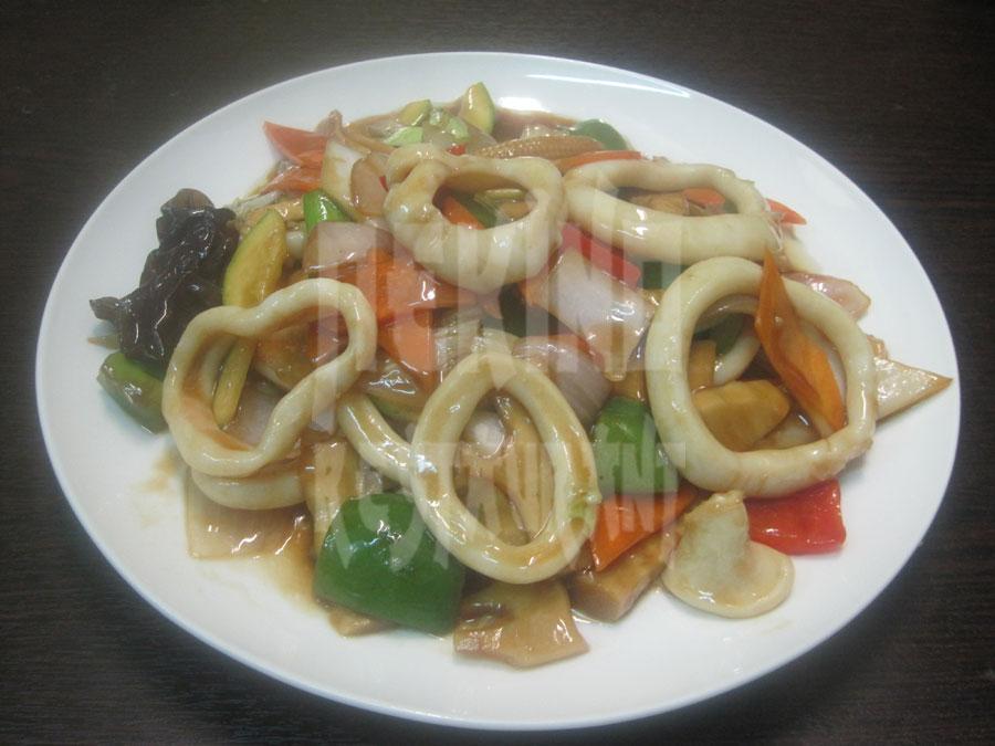 Καλαμάρι με λαχανικά